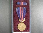 Vyznamenání - Za vynikající práci - I. vydání 1951-1960 ČSR č. 0980 + orig. etue