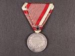 Medaile za statečnost II. třídy, Ag, původní vojenská stuha, vydání 1917 - 1918, na hraně značka A