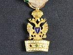 Miniatura Řádu železné koruny, vydání 1816-1825, zlato, 18x9 mm, na závěsném kroužku francouzký punc z pozdějšího období