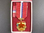 Medaile SNB v etui, česká verze