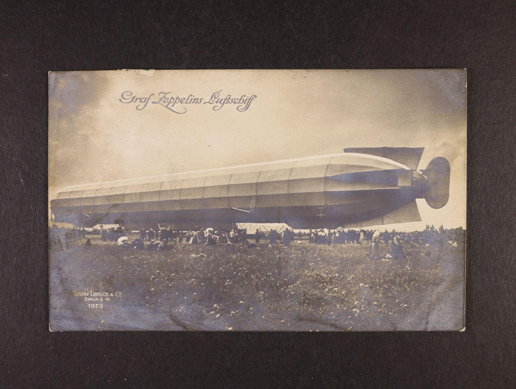 jednobarevná fotopohlednice Graf Zeppelins Luftschiff