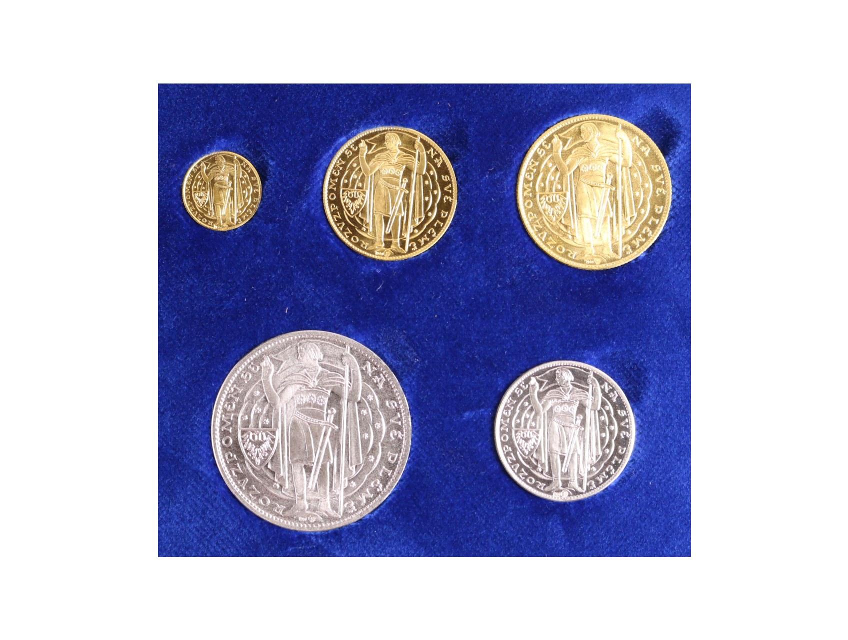 2017, Mincovňa Kremnica, velká sada medailí na milénium sv. Václava, Au 0,986, 4 + 12 + 20g, Ag 0,999, 15 + 30g, náklad 100 ks, číslované certifikáty, tato sada má číslo