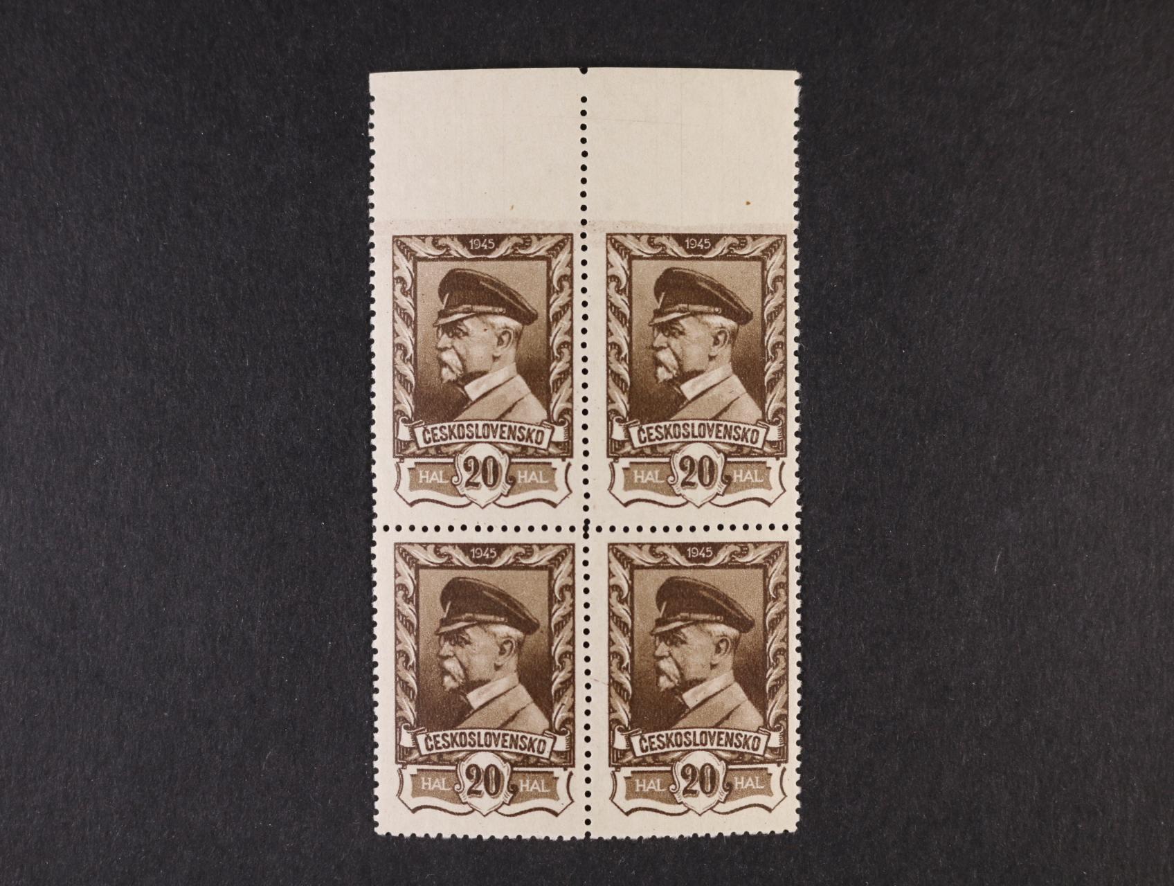 zn. č. 386 ve čtyřbloku s horním okrajem a vynechanou horní vodorovnou perforací, kat. cena 3600 Kč