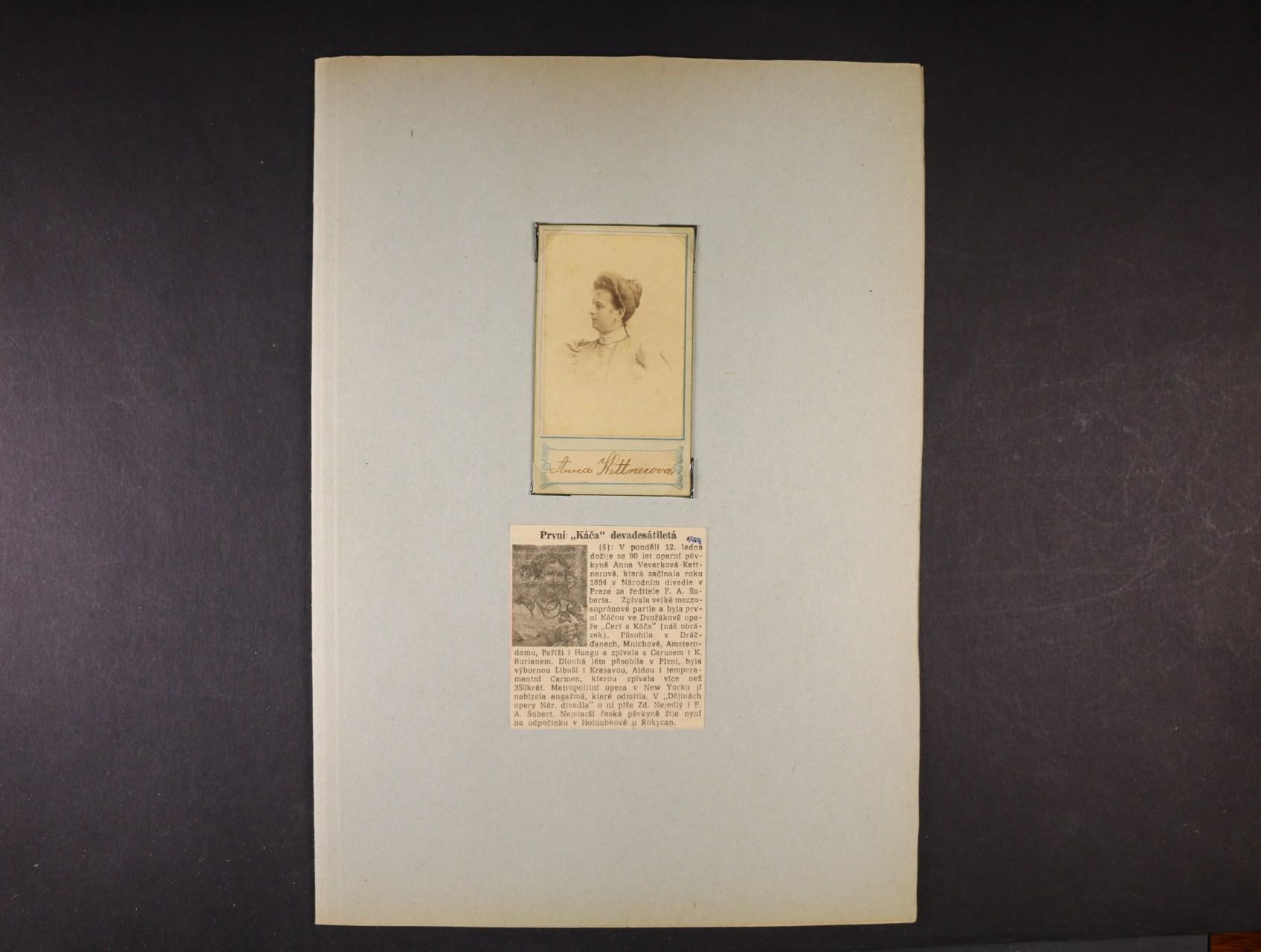 Kettnerová Anna 1869 - 1960, význačná česká operní pěvkyně -  fotografie s vlastnoručním podpisem