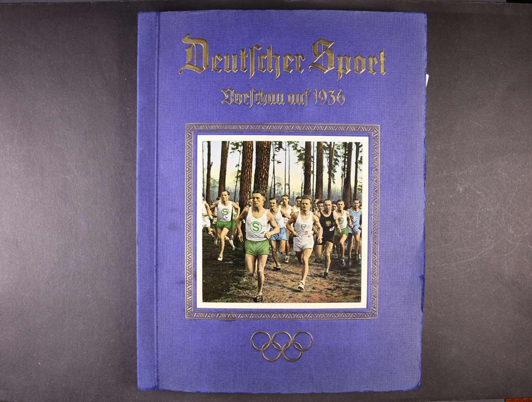 Deutsscher Sport Vorsschau auf 1936, propagační vydání  s velkým množstvím jednobar. i bar. obrázků něm. sportovců, zajjímavé, k prohlédnutí