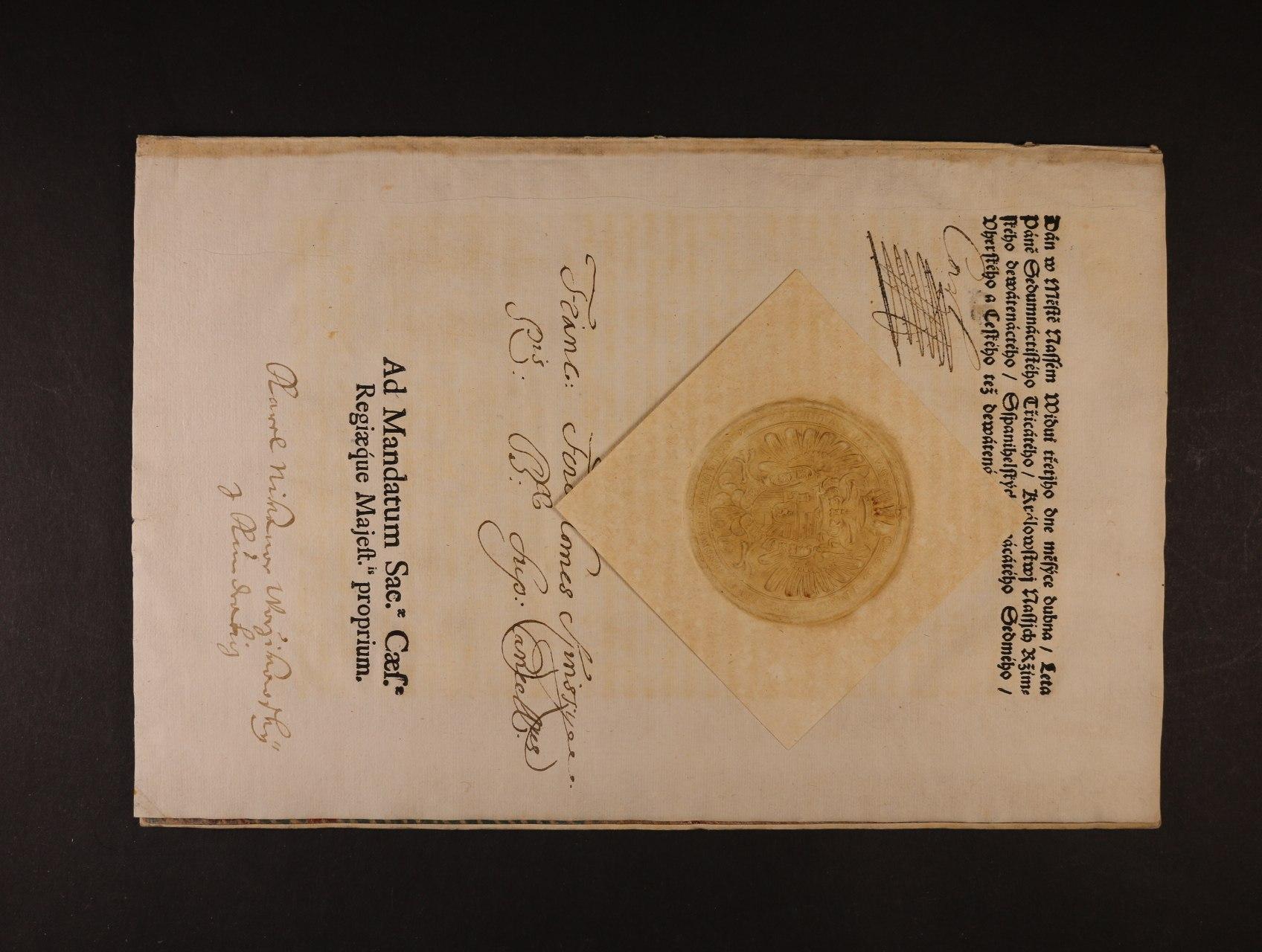 cirkulář z r. 1730 s vlastnoručním podpisem a velkou papírovou reliéfní pečetí cís. Karla VI. s datací Wien 3.4.1730, velmi zajímavé, lux. kvalita