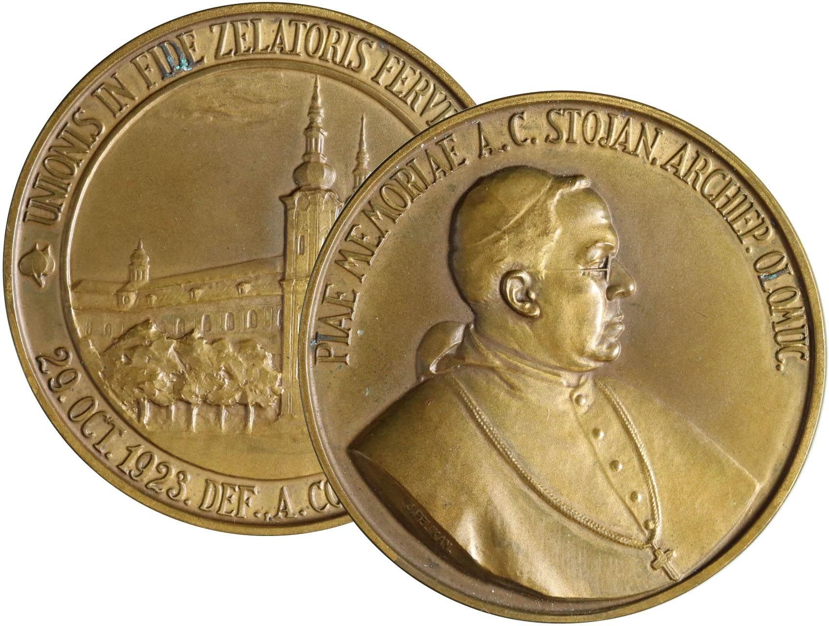 Pelikán Julius 1887-1969 - AE Medaile 1923 úmrtní. Poprsí Antonína Cyrila Stojana zleva, opis / Pohled na klášter, opis. Bronz 50 mm