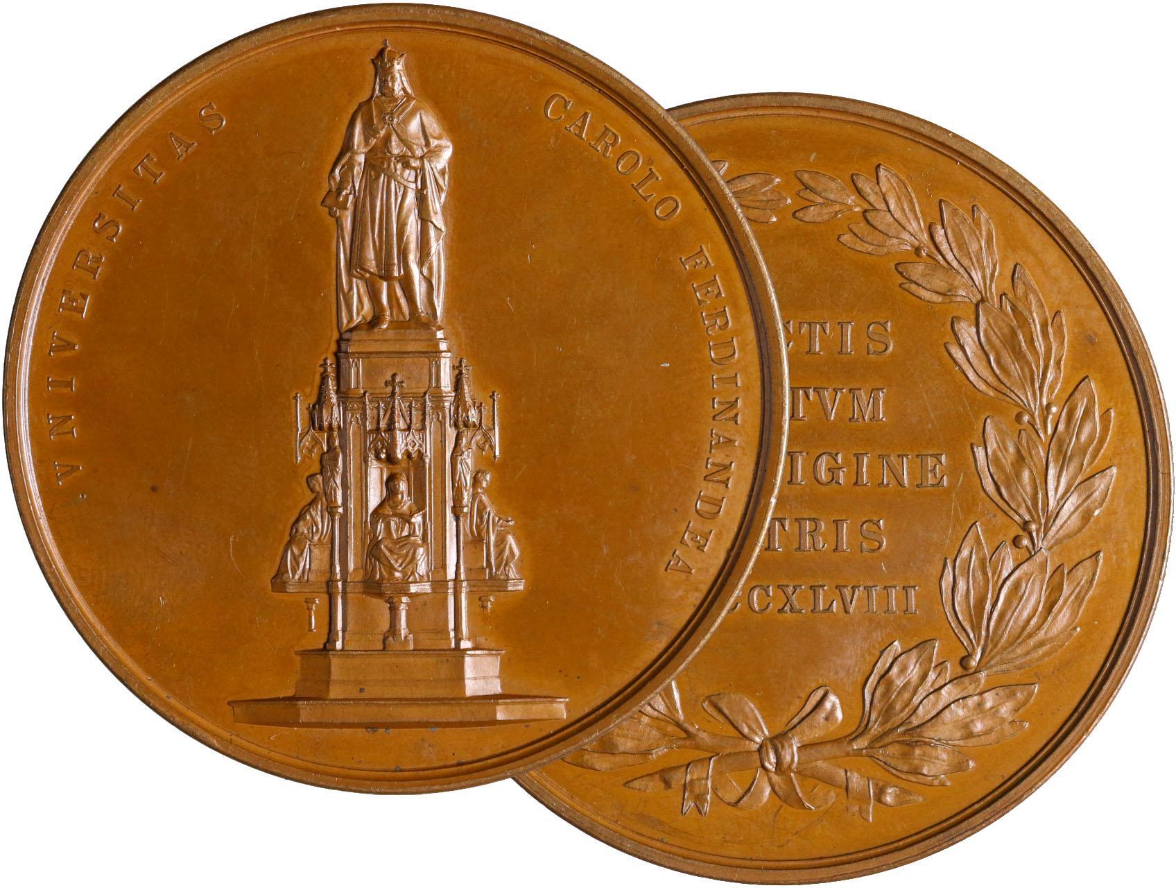 Seidan Václav 1817-1870 - AE medaile na 500. let od založení Karlo-Ferdinandovy univerzity 1848. Novogotický pomník Karla IV., opis / vavřínový věnec kolem latinského textu. Bronz, průměr 52 mm.