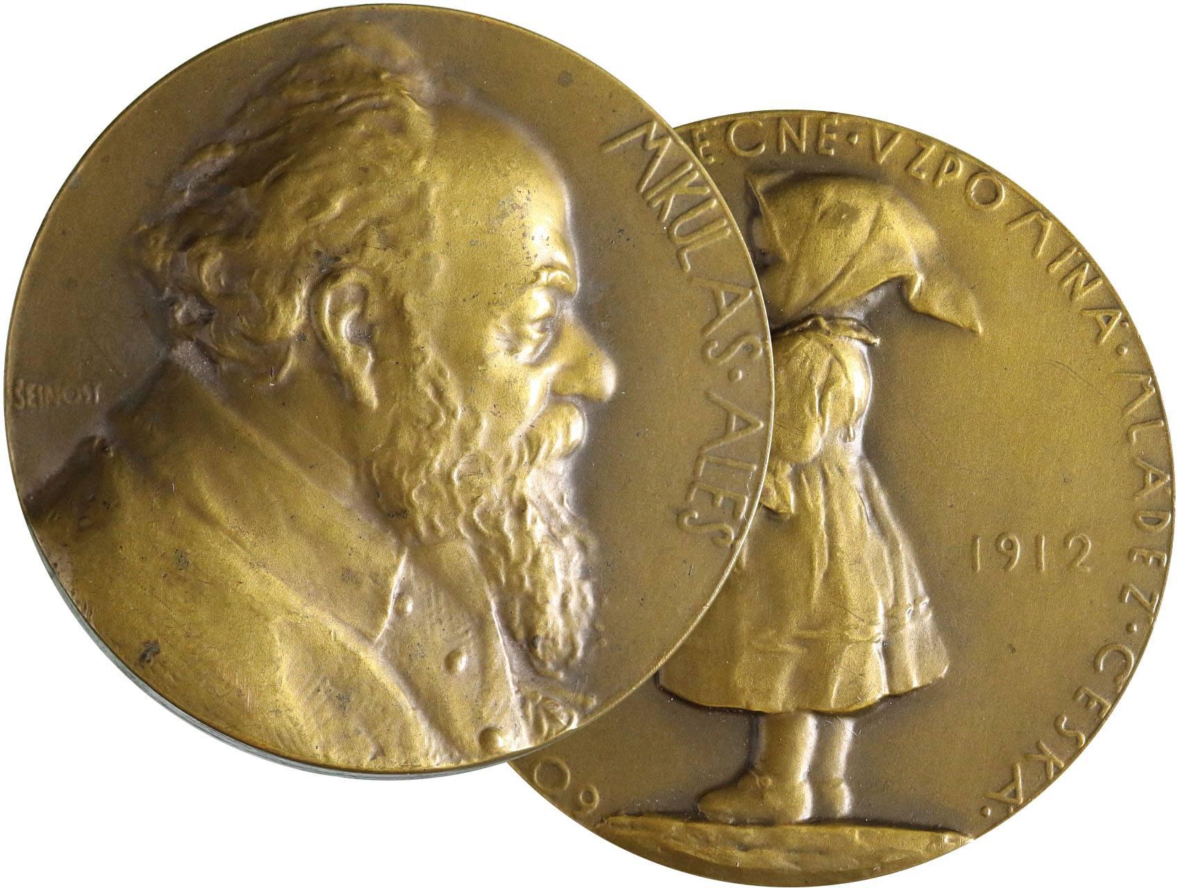 Šejnost Josef 1878-1941 - AE medaile 1912, Mikoláš Aleš k 60.narozeninám. Poprsí zprava, opis / děvčátko v kroji drží kytici květin, letopočty, opis. Bronz 50 mm, raženo 372 ks., Bo-001b