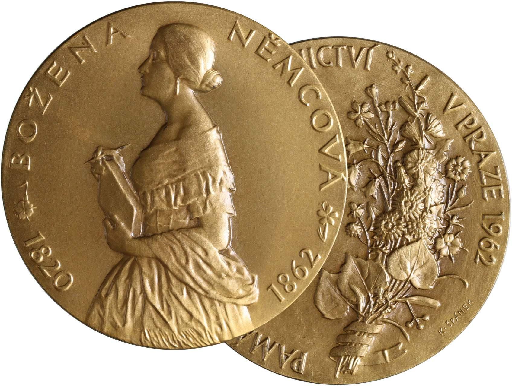 Špánek Karel 1894-1965 - AE medaile 1962, Božena Němcová ke stému výročí úmrtí. Postava zleva opis / kytice, text, opis. Bronz, 70 mm