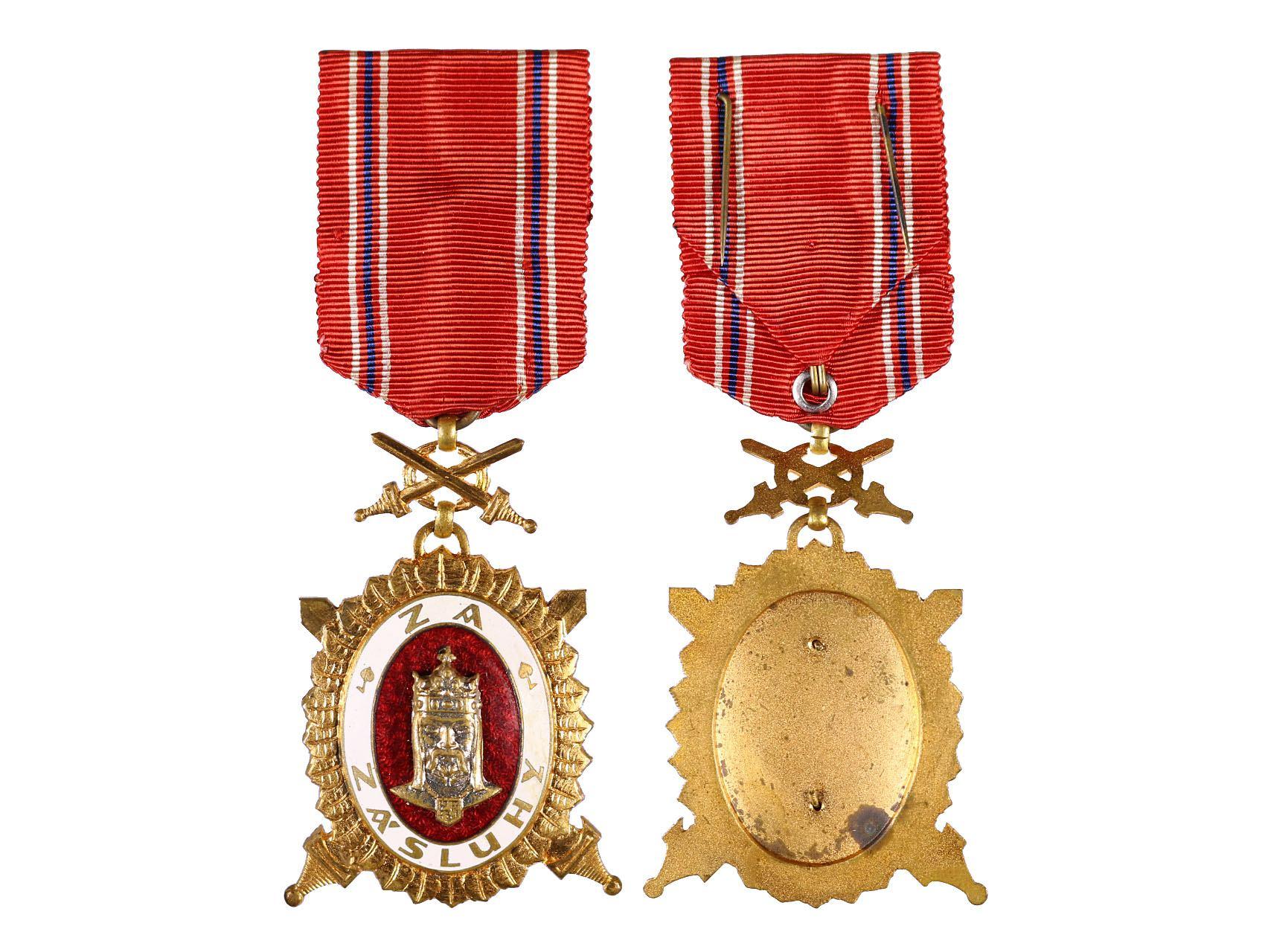Diplomový čestný odznak krále Karla IV., stupeň čestný člen, Zlatý čestný odznak 2. třídy za vojenské zásluhy, typ 1945-1949, N96a2a