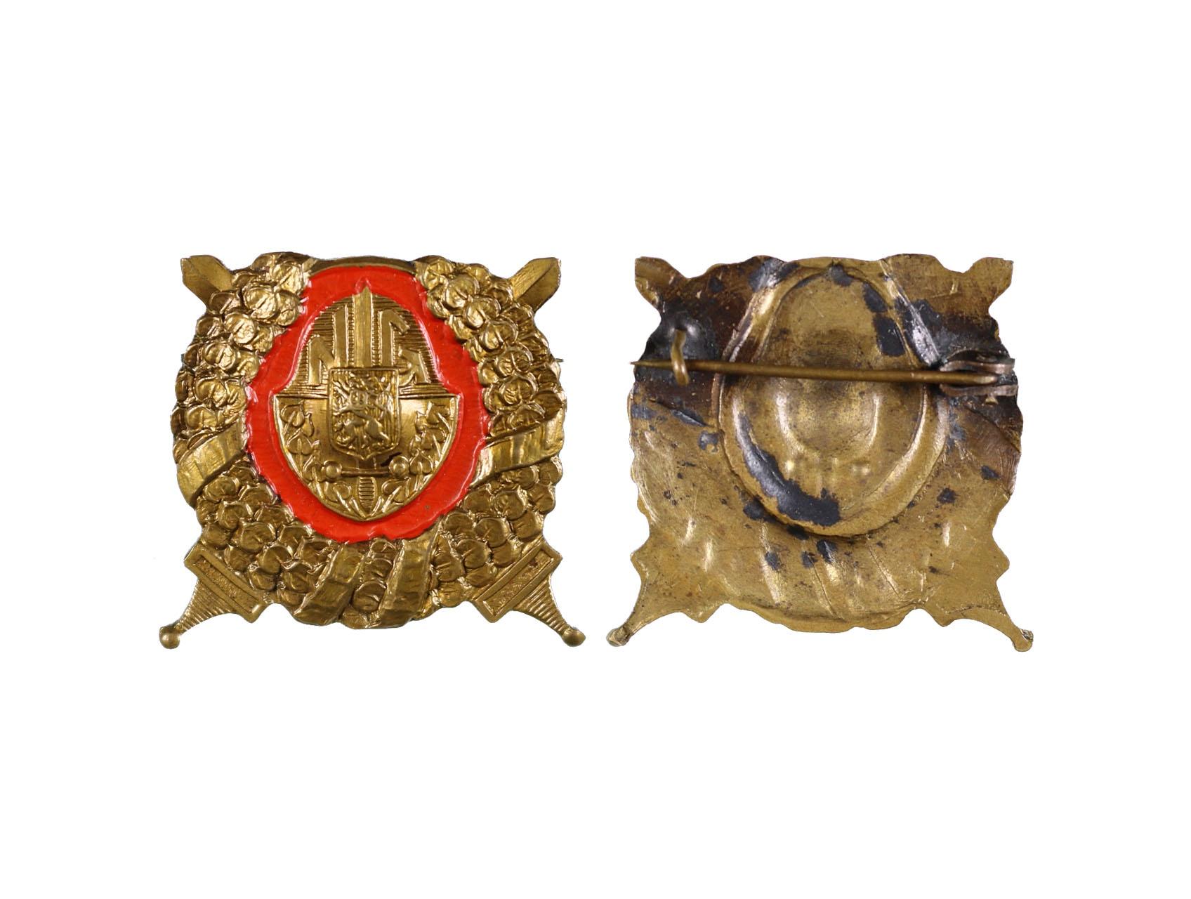 Odznak pro příslušníky historických jednotek při NG, bronz, lak, vodorovná připínací jehlice