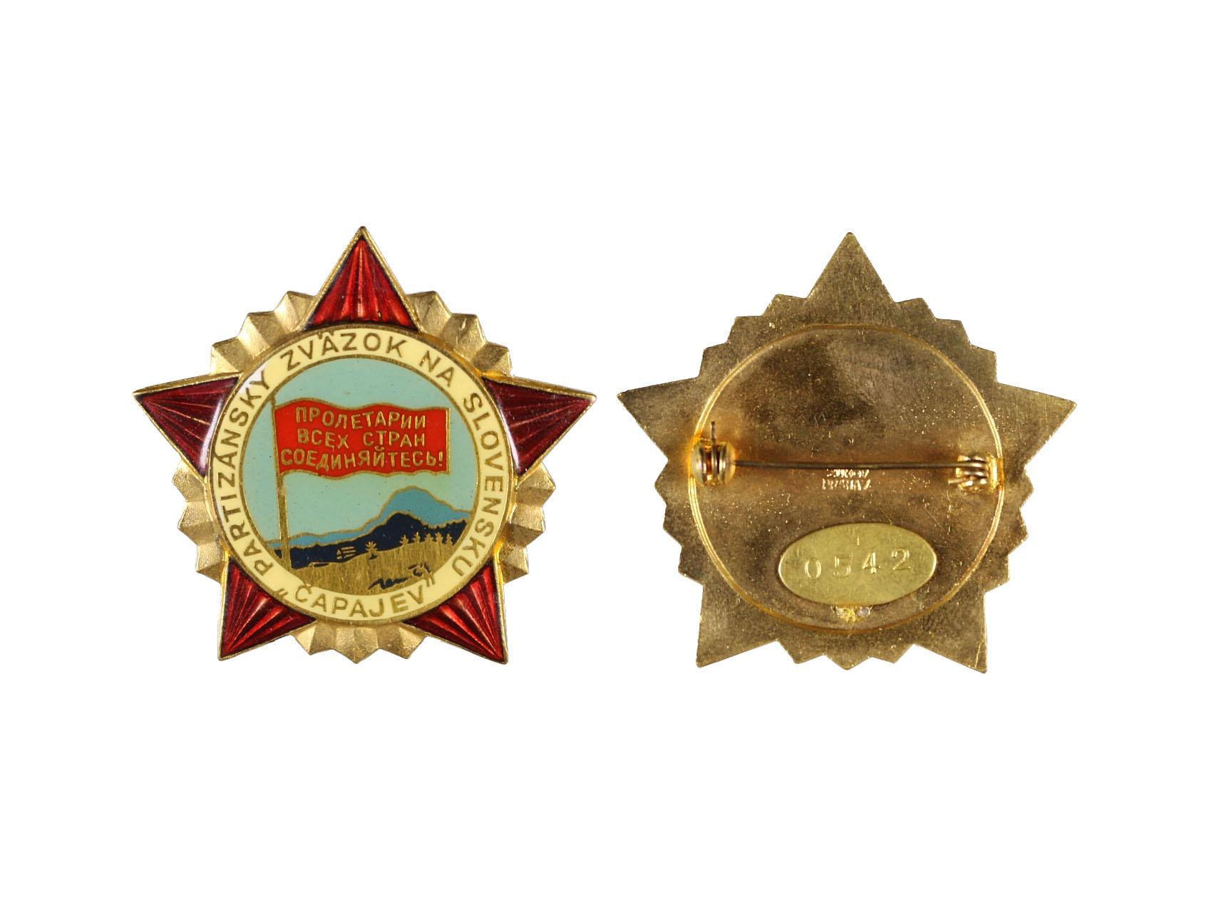 Odznak partyzánského svazku Čapajev, číslovaný 0542, zn. výrobce Zukov Praha, původní etue, VM 125
