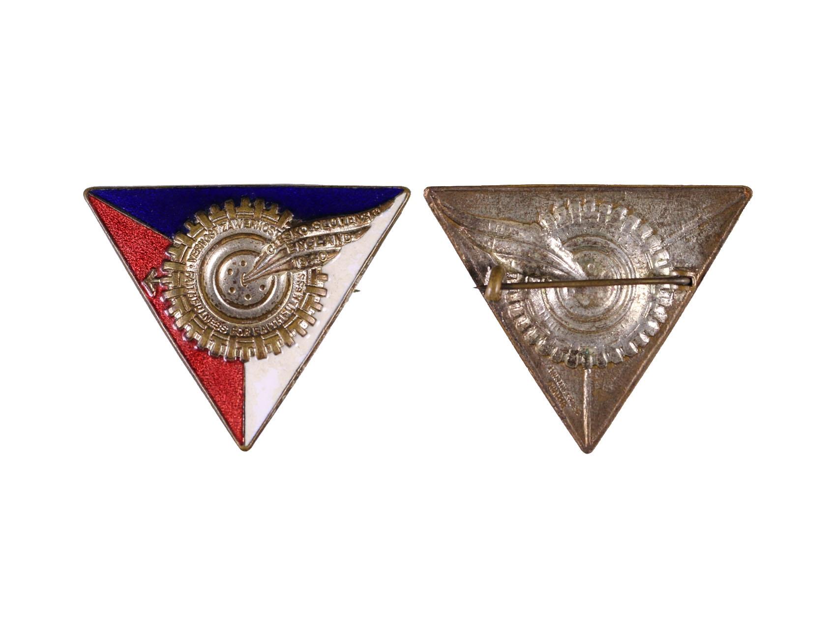 Pamětní odznak VĚRNOST ZA VĚRNOST, smaltovaný, výrobce H.W.Miller Velká Británie, obecný kov postříbřený, smalty, rozměry 46,5x38 mm, upínání na vodorovnou jehlu
