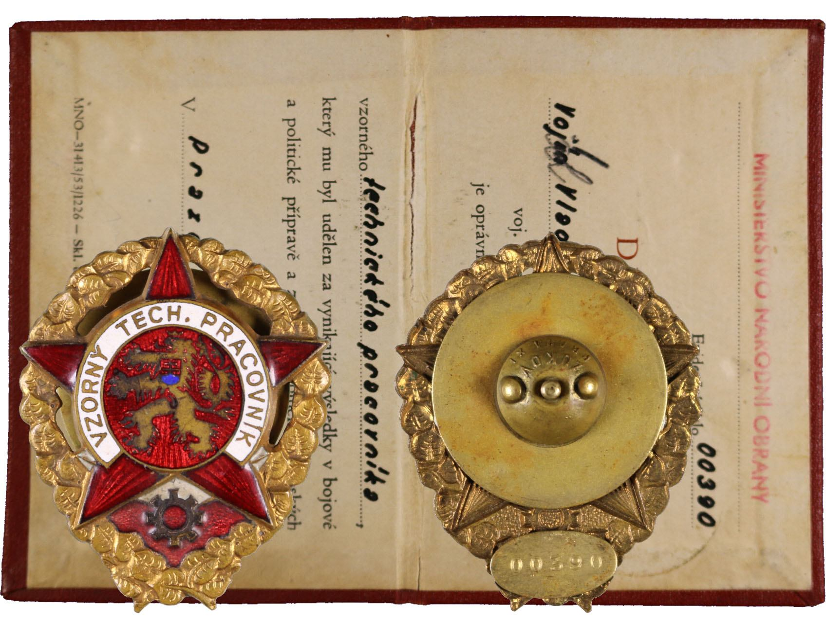 Odznak Vzorný technický pracovník č. 00390 s průkazkou, udělení 1. 10. 1953