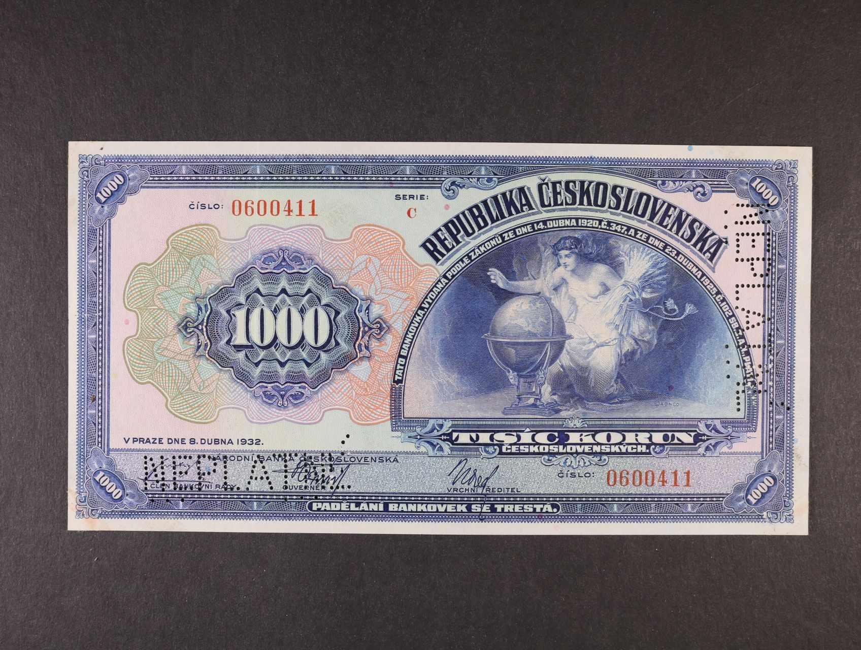 1000 Kč 8.4.1932 série C bankovní vzor, vpravo svisle + dole perf. NEPLATNÉ, Ba. 26, Pi. 25s, v rožcích stopy po přilepení