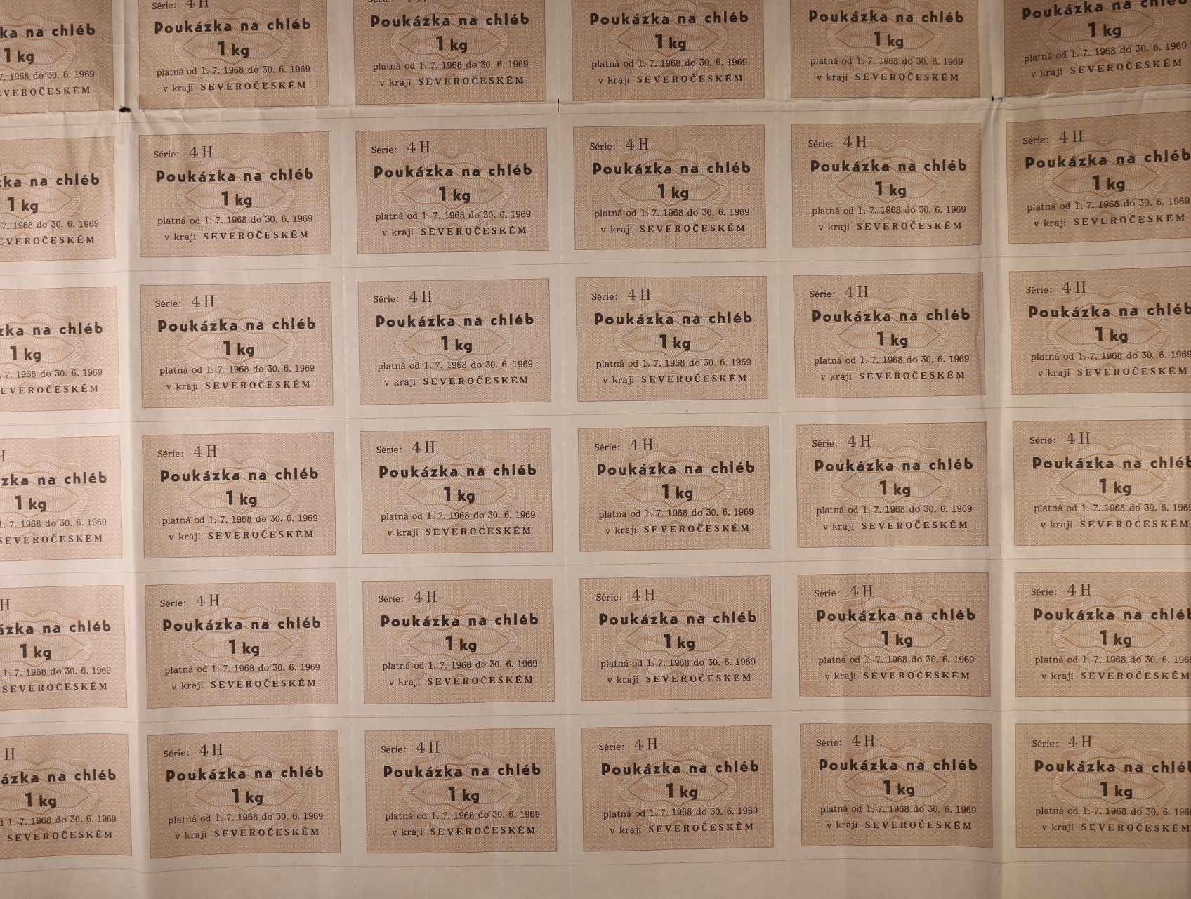 poukázka na chléb 1 kg 1.7.1968 série 4H severočeský kraj, kompletní tiskový 100-kusový arch