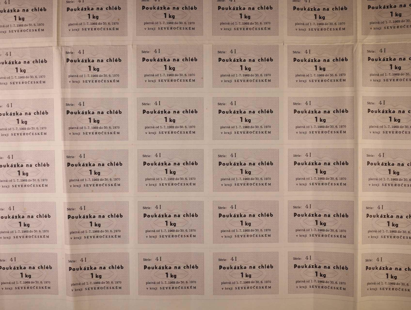 poukázka na chléb 1 kg 1.7.1969 série 4I severočeský kraj, kompletní tiskový 100-kusový arch