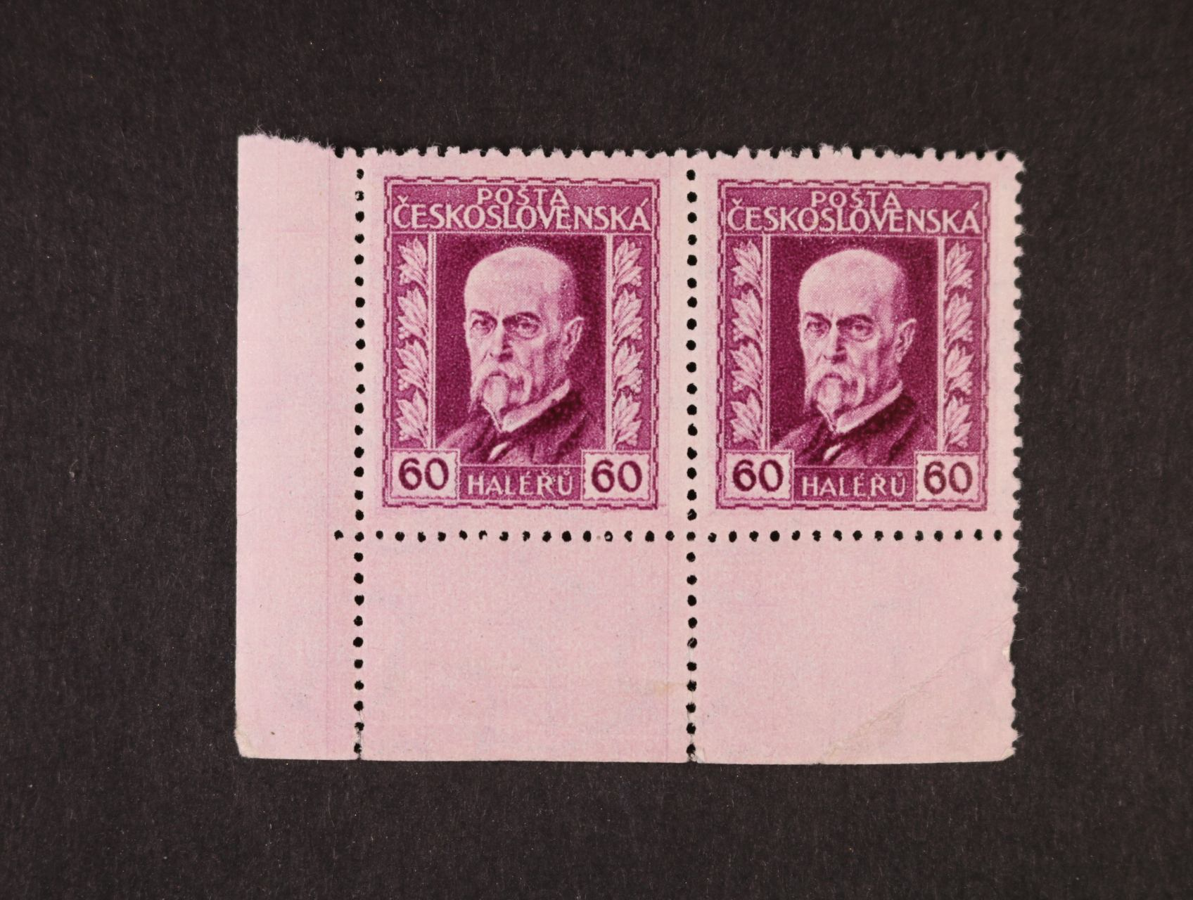 zn. č. 189 Ax, pergamen. papír, pr. 1, levá spodní roh. dvoupáska bez DZ, kat. cenu neuvádí, jen zn. 13000 Kč