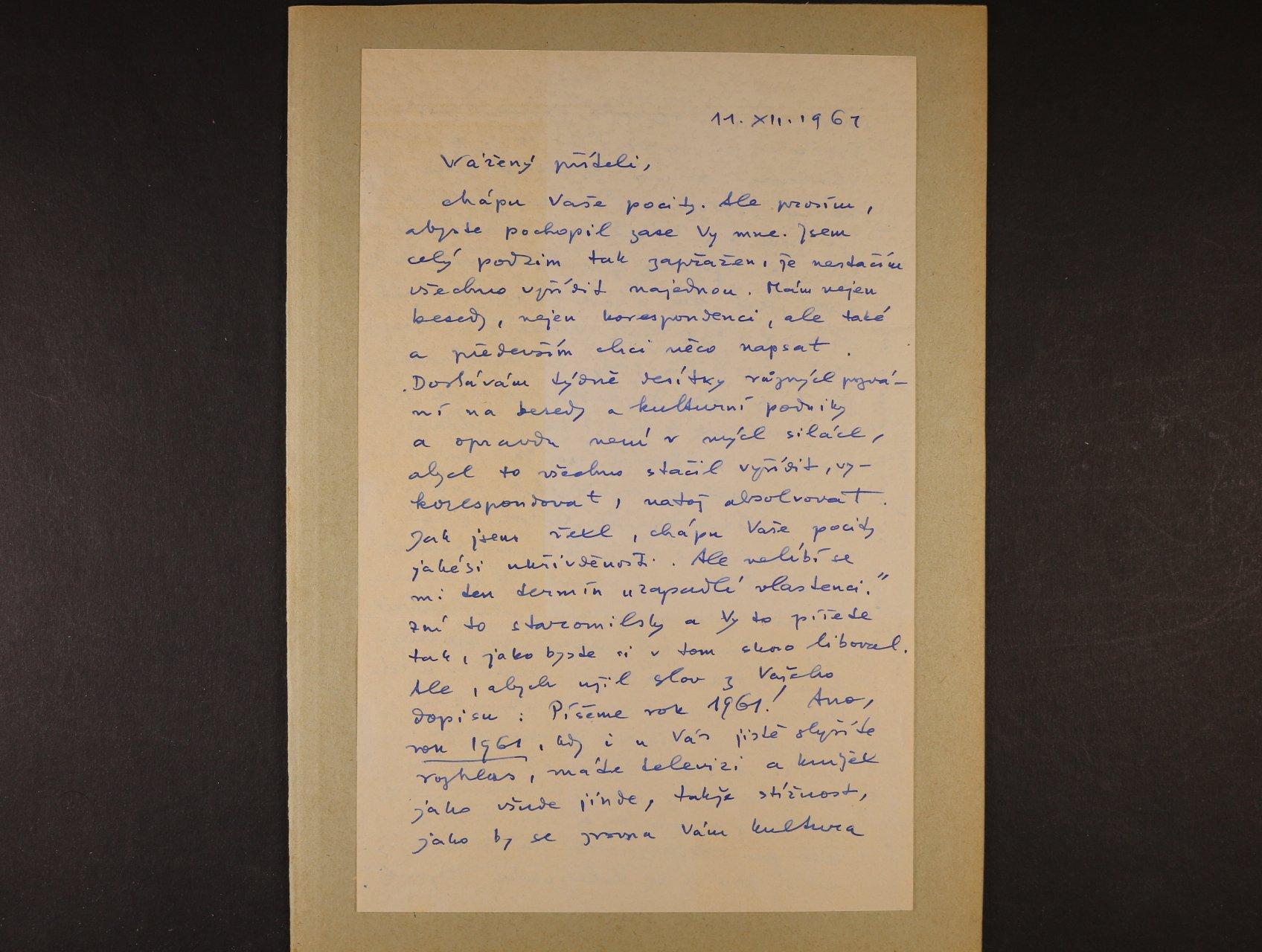 Hrubín František 1910 - 1971, význačný čs. básník a spisovatel - vlastnoručně psaný dvoustránkový dopis z 11.12.1961 s podpisem